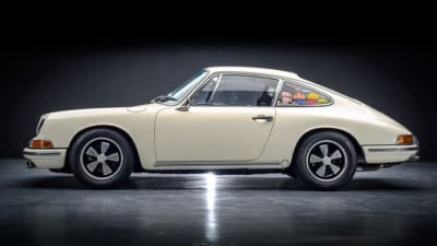 Our reference image of a Porsche 911.